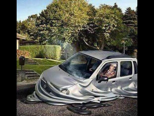 Imagem mostra carro derretendo de tanto calor (Foto: Reprodução/Facebook)