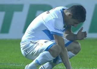 Jogador Preto, do Novo Hamburgo, teria jogado de forma irregular (Foto: Reprodução SporTV)