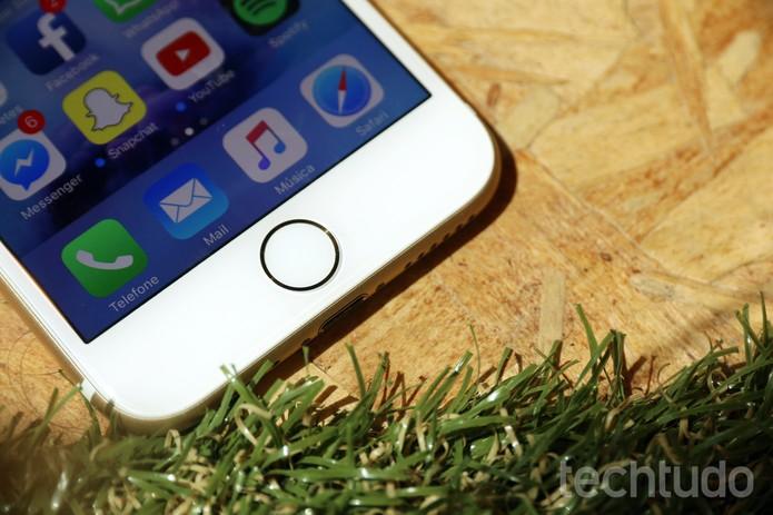 """Botão """"home"""" do iPhone 7 agora é touch (Foto: Anna Kellen Bull/TechTudo)"""