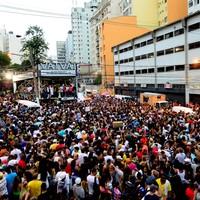 Festa no Bixiga reúne multidão; veja FOTOS (Flávio Moraes/G1)
