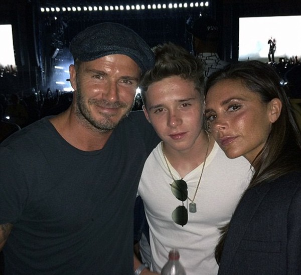 Brooklyn com David e Victoria Beckham (Foto: Instagram)