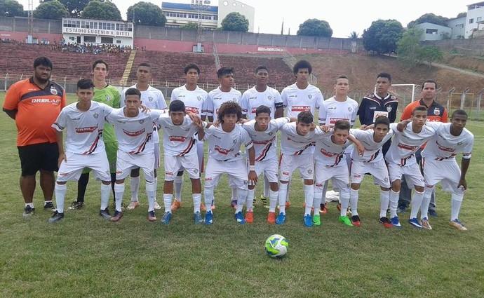 Time sub-17 do Aracruz venceu o São Mateus por 3 a 0 (Foto: Divulgação/Aracruz)