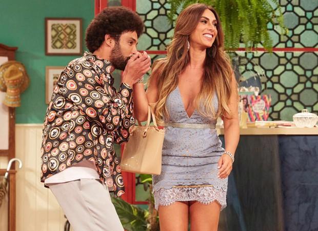 Silvio Guindane e Nicole Bahls em cena de 'Vai que cola' (Foto: Multishow)