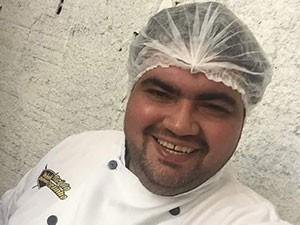 Adriano Silveira era proprietário do restaurante Rei do Espetinho, em Natal (Foto: Arquivo Pessoal)