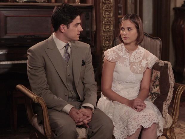 Juvenal e Gerusa se conhecem (Foto: Gabriela / TV Globo)