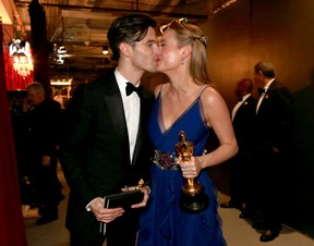 Brie Larson e Alex Greenwald (Foto: Getty Images)