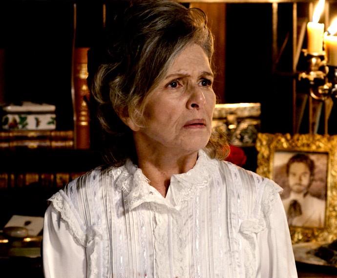 Vitória fica chocada com a revelação de Melissa (Foto: TV Globo)