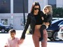 North West rouba a cena durante passeio com Kourtney Kardashian