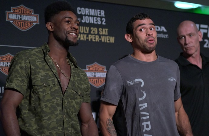 Aljamain Sterling x Renan Barão, encarada, Media Day, UFC 214 (Foto: Evelyn Rodrigues)