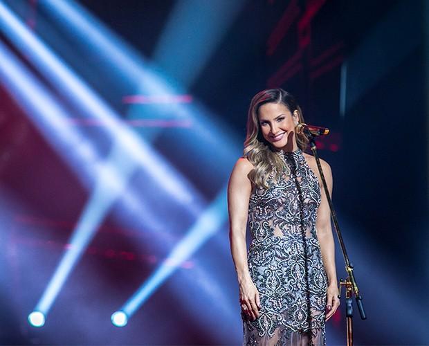 Claudia linda em seu musical (Foto: Isabella Pinheiro/Gshow)
