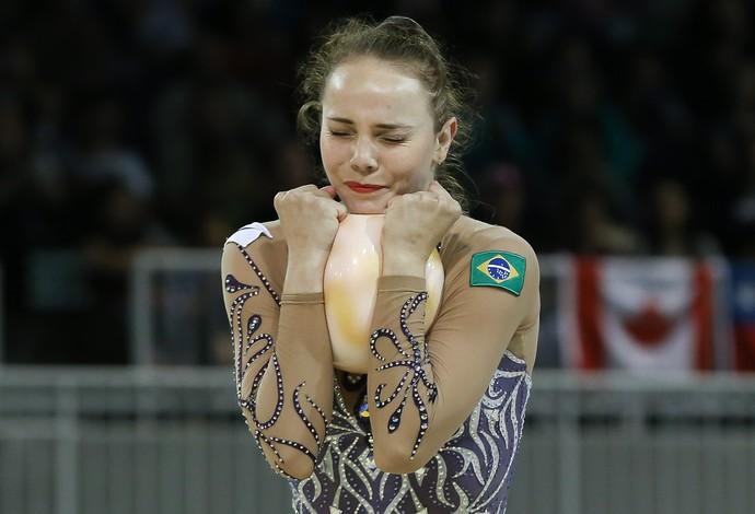 Angélica Kviecznski em sua apresentação no arco, no Pan de Toronto (Foto: Ricardo Bufolin / CBG)