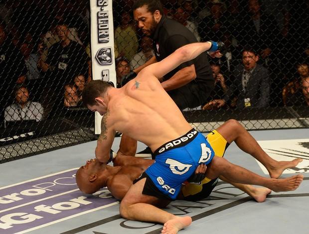 Anderson Silva foi nocauteado por Weidman