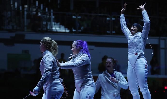 Esgrima Estados Unidos feminino (Foto: Tom Pennington/GettyImages)