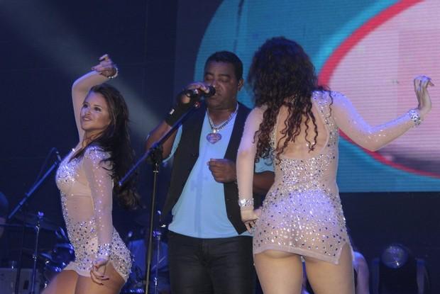 Grupo Raça Negra se apresenta em casa de shows na Zona Oeste do Rio (Foto: Isac Luz/ EGO)