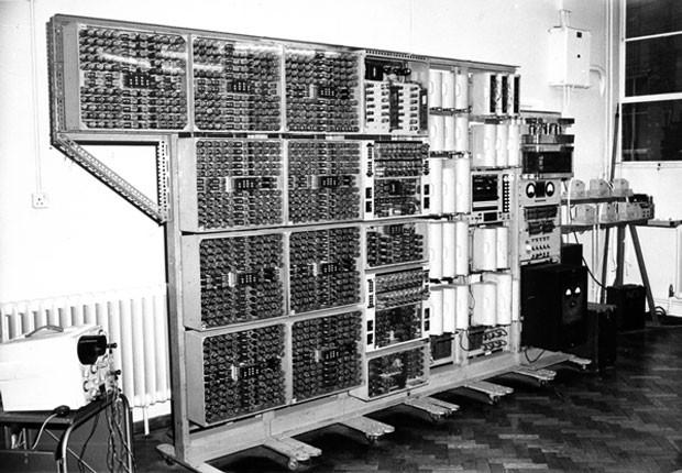 O computador Harwell Dekatron, criado em 1951, pesa o equivalente a 15 mil iPads mini (Foto: Dovulgação/Computer Conservation Society)