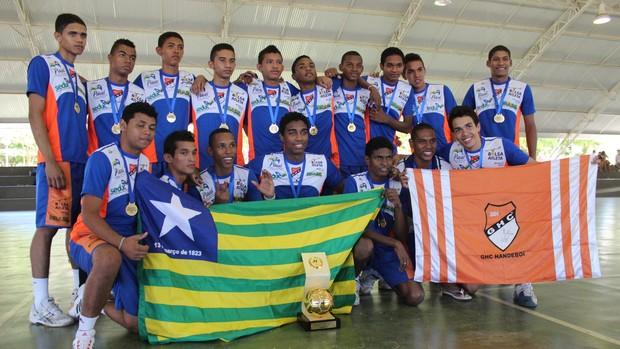 Caic comemora quarto título da Copa Nordeste de Handebol (Foto: Emanuele Madeira/GLOBOESPORTE.COM)