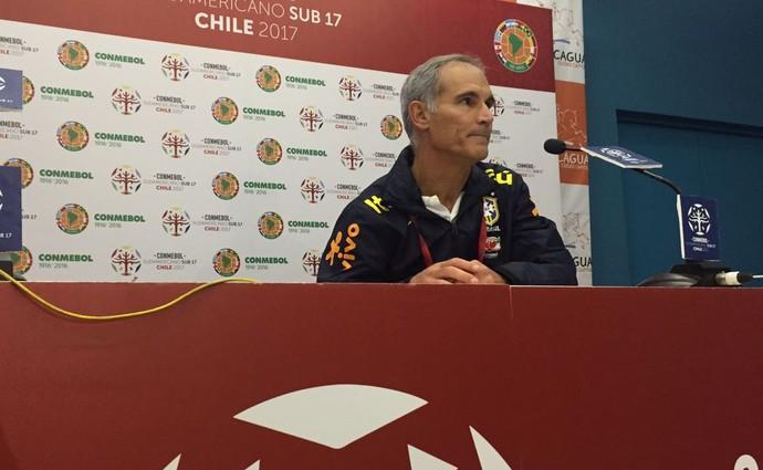 O baiano Carlos Amadeu comemorou o time sub-17 (Foto: Raphael Zarko)