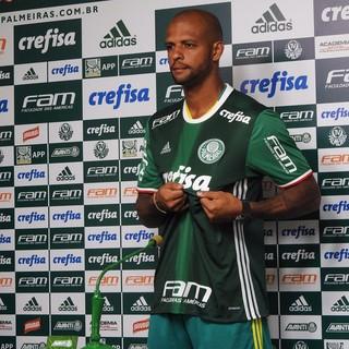 Felipe Melo ataca dirigente do Flamengo: Para rir, ele � n�mero 1