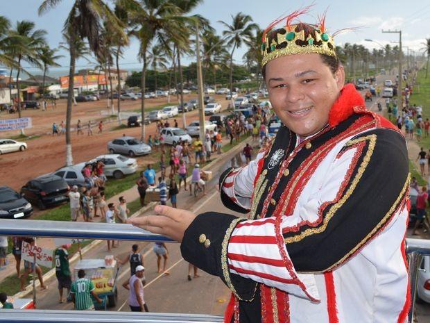 Rei Momo orgulha-se da folia no município que representa (Foto: Marina Fontenele/G1)