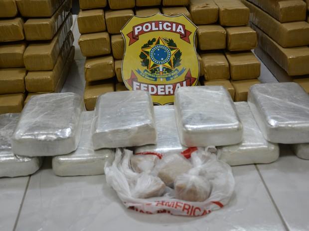 Drogas foram apreendidas em uma casa, usada com central de venda de entorpecentes (Foto: Ascom PF)