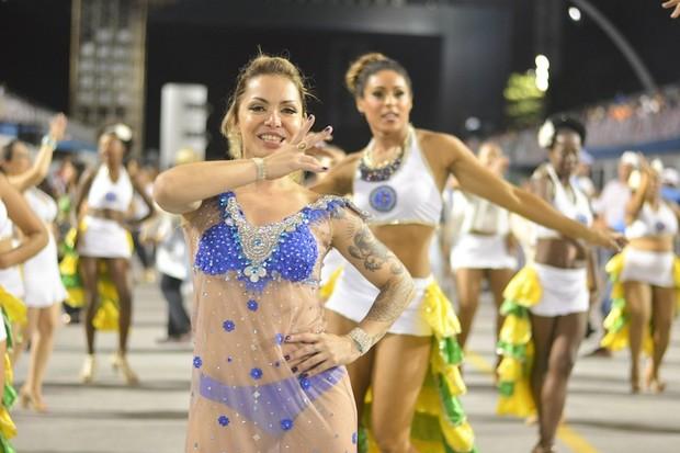 Julia Menezes, musa da Unidos do Peruche (Foto: Eduardo Graboski / Lipe Aramuni / Divulgação)
