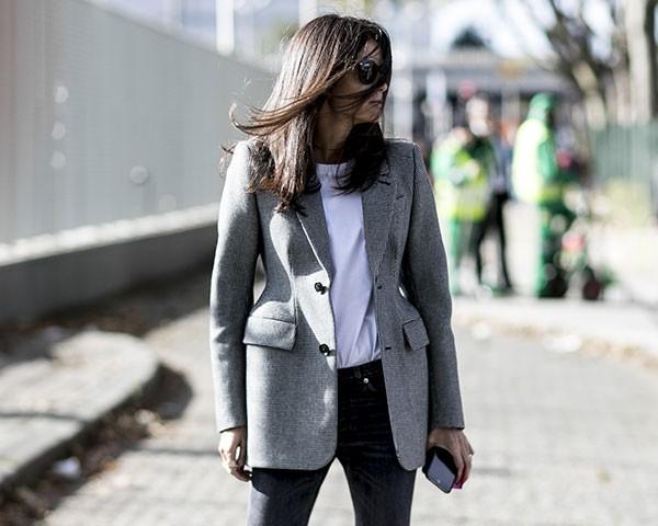 A combinação é um sucessso entre as fashionistas (Foto: Imaxtree)