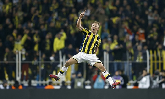 Dirk Kuyt, Fenerbahce x Galatasaray (Foto: Agência EFE)