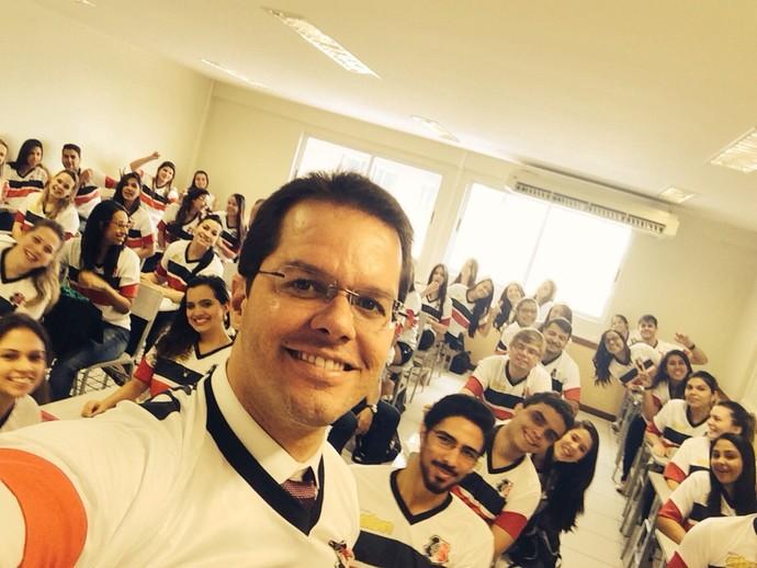 Surpresa, professor, Santa Cruz, Fortaleza (Foto: Damião/Arquivo Pessoal)