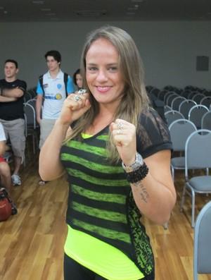 Carina Damm MMA (Foto: Ivan Raupp/SporTV.com)