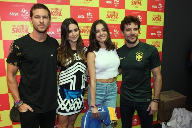 Thayla Ayala com o namorado e Sophie Charlotte com Daniel Oliveira  (Foto: Marcello Sá Barretto)