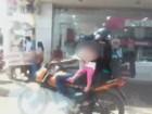 Casal é flagrado em moto com criança sem capacete em Rondônia; vídeo