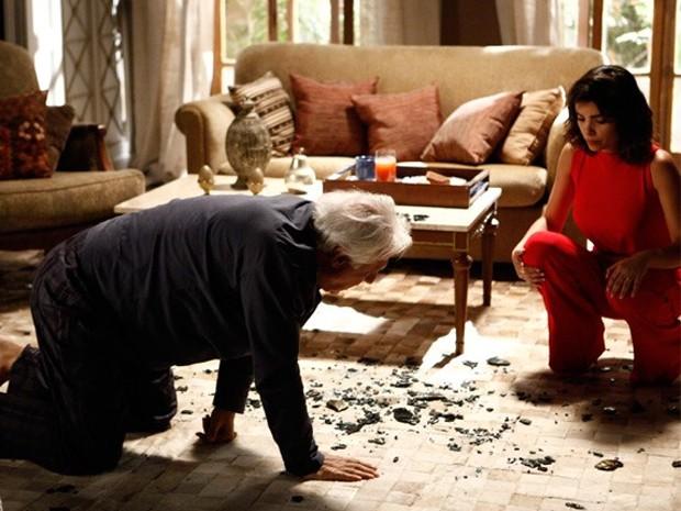 César, Antônio Fagundes, fica cego e se desespera no episódio de Amor à Vida  (Foto: Foto: Inácio Moraes/TV Globo)