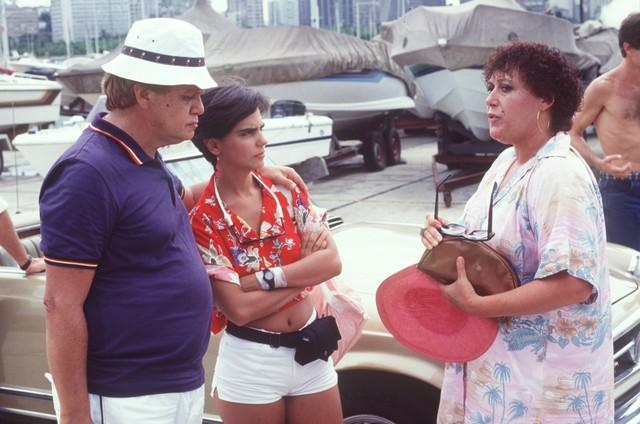 Claudio CorrÊa e Castro, Mayara Magri e Marilu Bueno em cena da novela (Foto: Arquivo)