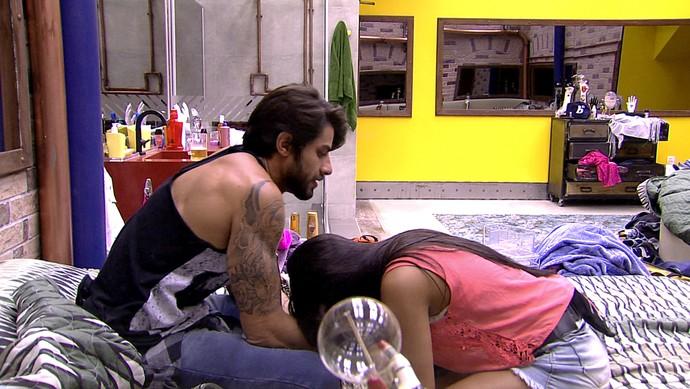 Munik e Renan DR PUB BBB 30_01 (Foto: TV Globo)