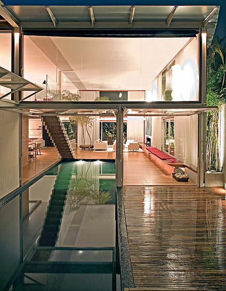 piscina-interna-bernardes-jacobsen (Foto: Leonardo Finotti/Casa e Jardim)