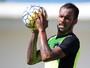 """Invicto contra ex-clube, Bruno Silva incentiva Botafogo: """"Nós podemos"""""""