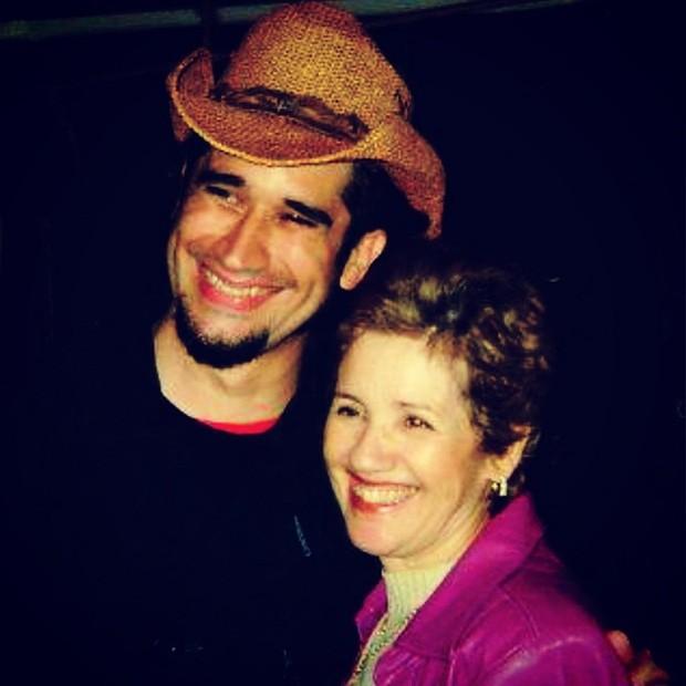 Landau com a mãe, dacha (Foto: Reprodução / Instagram)