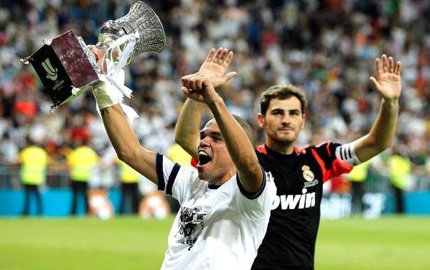 Casillas e Pepe, Real Madrid (Foto: Agência AP)