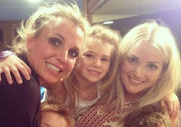 Britney Spears com sua irmã, Jamie Lynn, e sua sobrinha (Foto: Reprodução/Instagram)