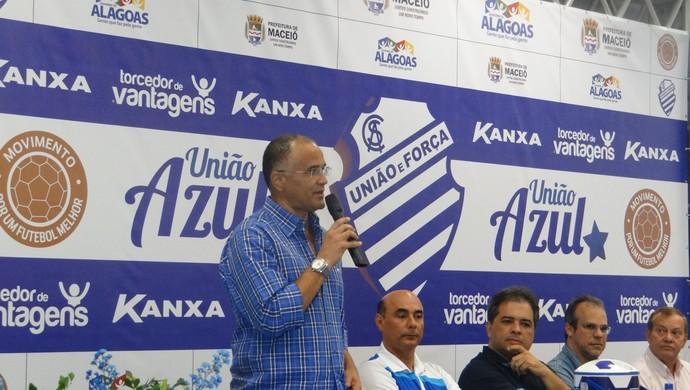 Técnico Oliveira Canindé (Foto: Denison Roma / Globoesporte.com)