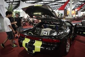 FOTOS: veja carros tunados, clássicos e acessórios na feira (Caio Kenji/G1)