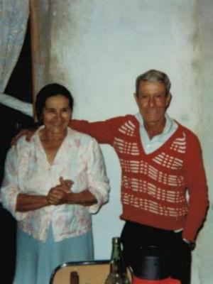 O casal fazia questão de sempre andar de mãos dadas  (Foto: Arquivo pessoal)