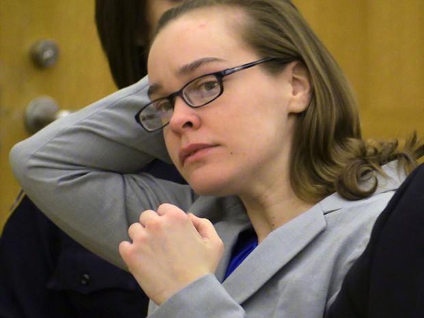 Lacey Spears durante audiência na qual foi declarada culpada pela morte de seu filho, em White Plains, NY, na segunda-feira (2) (Foto: AP Photo/The Journal-News, Joe Larese, File, Pool)