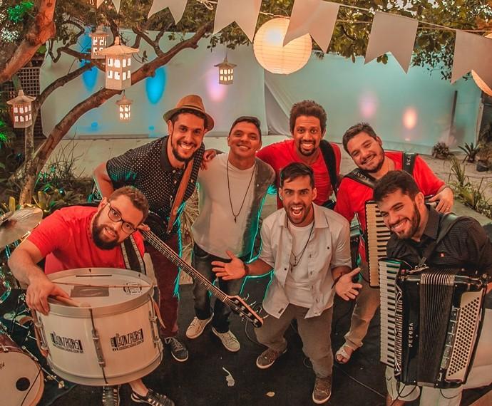 Músicos da banda Os Gonzagas se preparam para o lançamento do seu novo álbum (Foto: Max Brito/TV Cabo Branco)