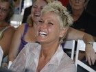 Ao vivo: Xuxa convida internautas a curtir sua festa de 50 anos no EGO