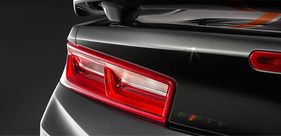 Para os fanu00e1ticos em motor, ele u00e9 equipado com um tradicional V8 de ...