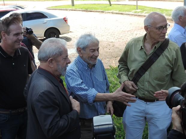 Lula (esq.) Raduan Nassar (centro) e Suplicy (dir.) (Foto: Caio Gomes Silveira/ G1)