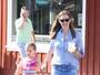 Jennifer Garner usa look soltinho e reforça rumores de gravidez