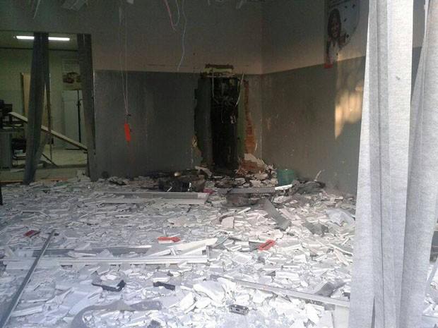 Agência de banco fica destruída após explosão na Chapada Diamantina (Foto: RIUS/Divulgação)