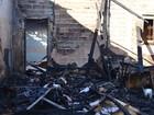 Cadeirante é socorrido por PM  após casa pegar fogo em Vilhena, RO